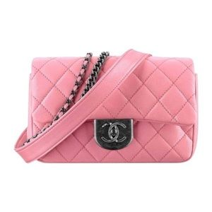 Classic flap pink lambskin leather bag